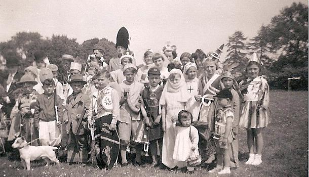 1953 coronation celebration in cropton