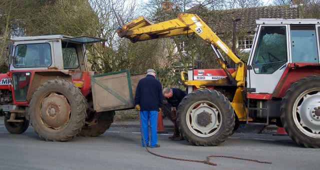 tractor rescue in cropton