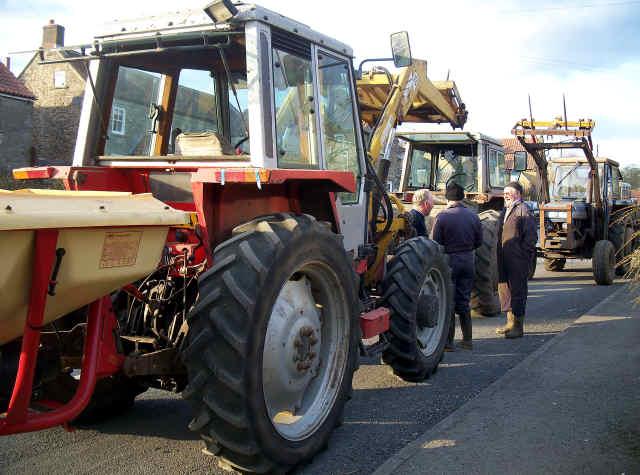 cropton tractor rescue farmers chatting