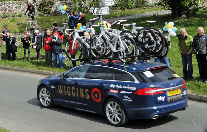 Team Wiggins support car on the Tour de Yorkshire at Cropton
