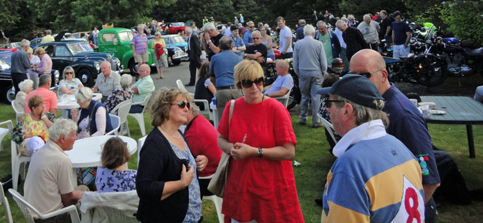 cropton-car-rally-2016-crowd-chatting