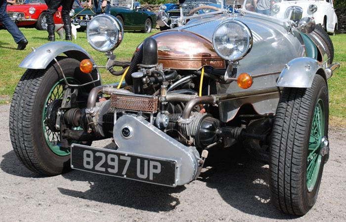 cropton-vintage-motorcycle-rally-2016-car