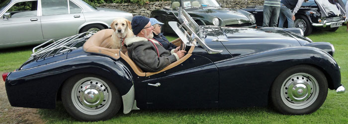Cropton Vintage Car and Motorcycle Rally 2017 - Owner & dog arrviing